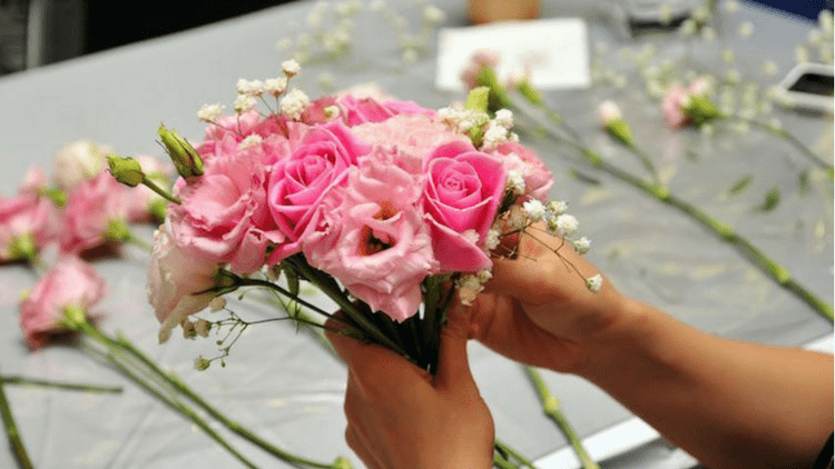 How To Save Money On Sending Flowers: Insider Tips From A Florist ...