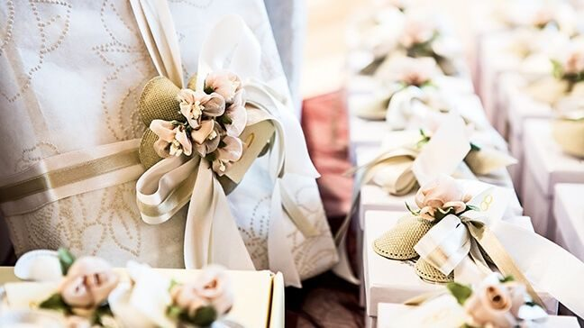 How Much Money Gift Wedding: How Much To Give For A Wedding Gift (And Not Look Cheap