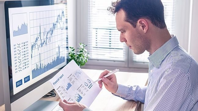 Investing 101: How To Read A Stock Chart For Beginners