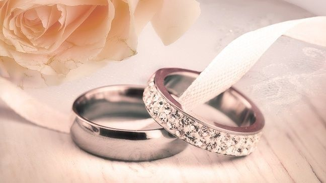Wedding Rings Pictures.How To Save Money On Engagement Rings And Diamonds