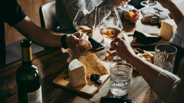 Best Credit Cards For Bars and Resturants