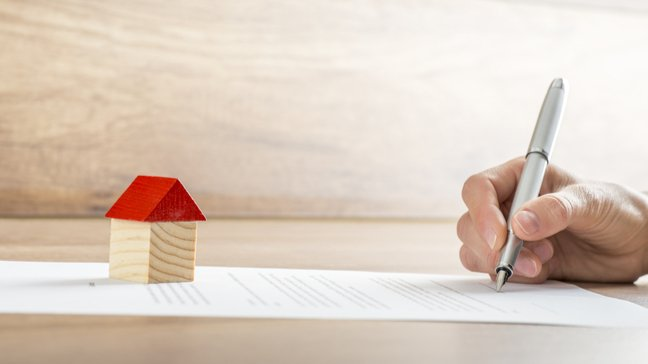 To work from home? Here's what you need to know about insurance: How homeowner insurance works