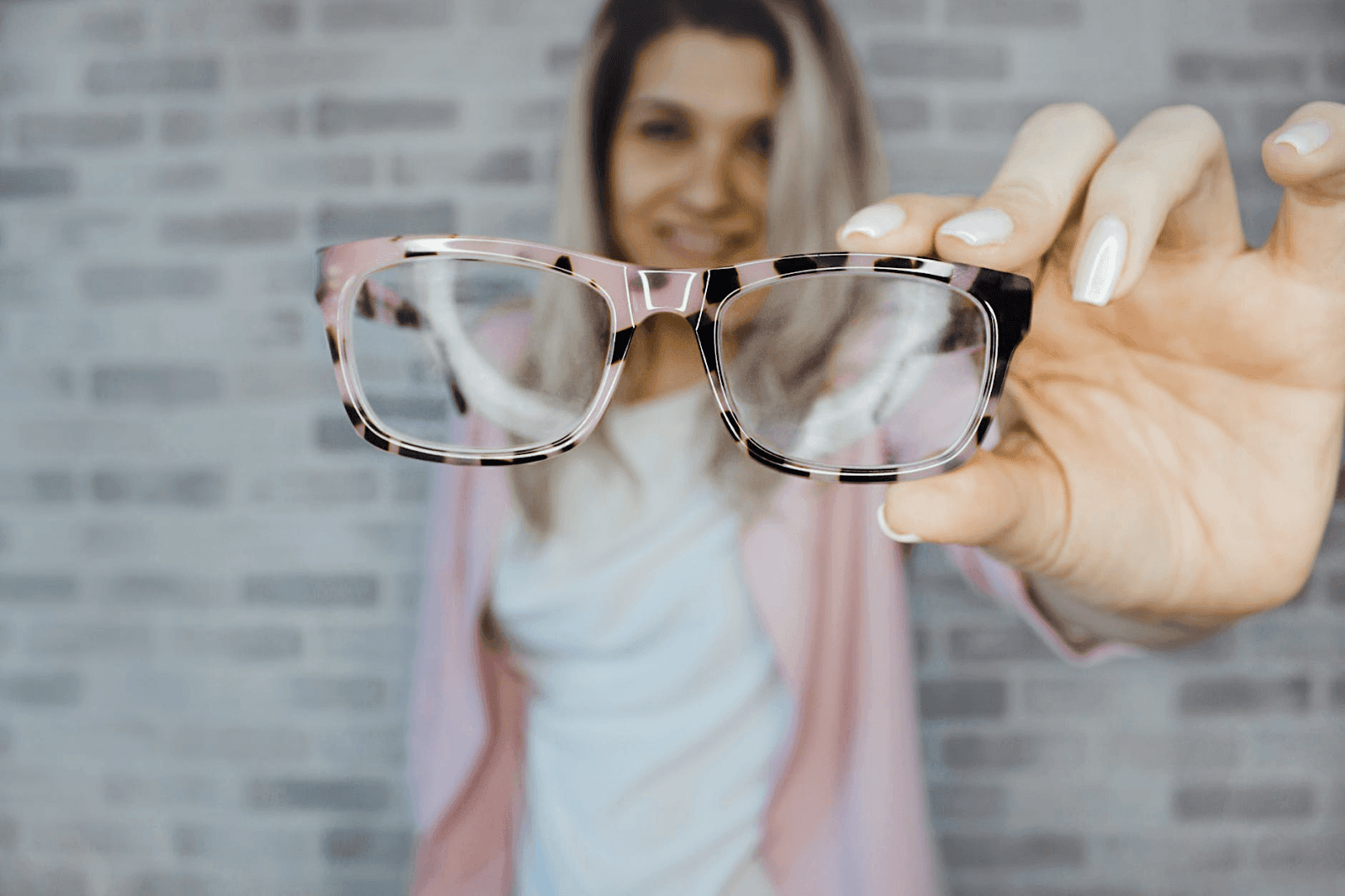10 Items You Should Be Buying At The Dollar Store (And 5 To Avoid) - Sunglasses and reading glasses