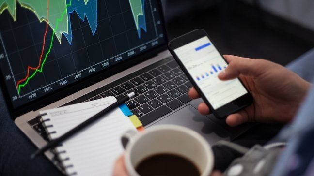 M1 Finance Vs. Robinhood: Which Is Better For You?