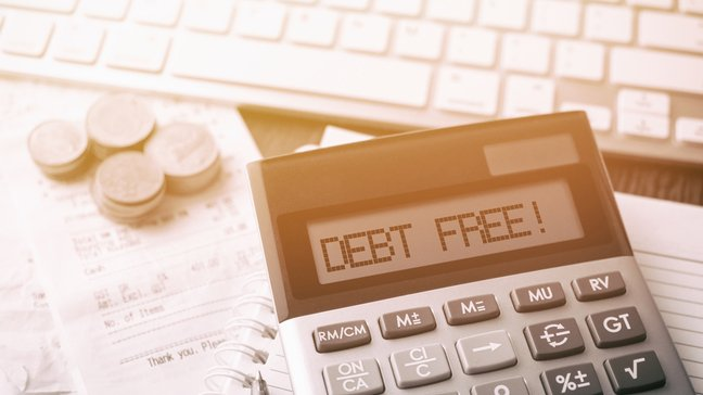 With Lots of Student Loans, Which Debts Should You Pay First? - Some tips on paying off your student loan early